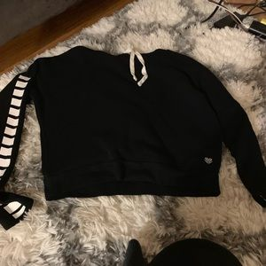 Crop tip hoodie
